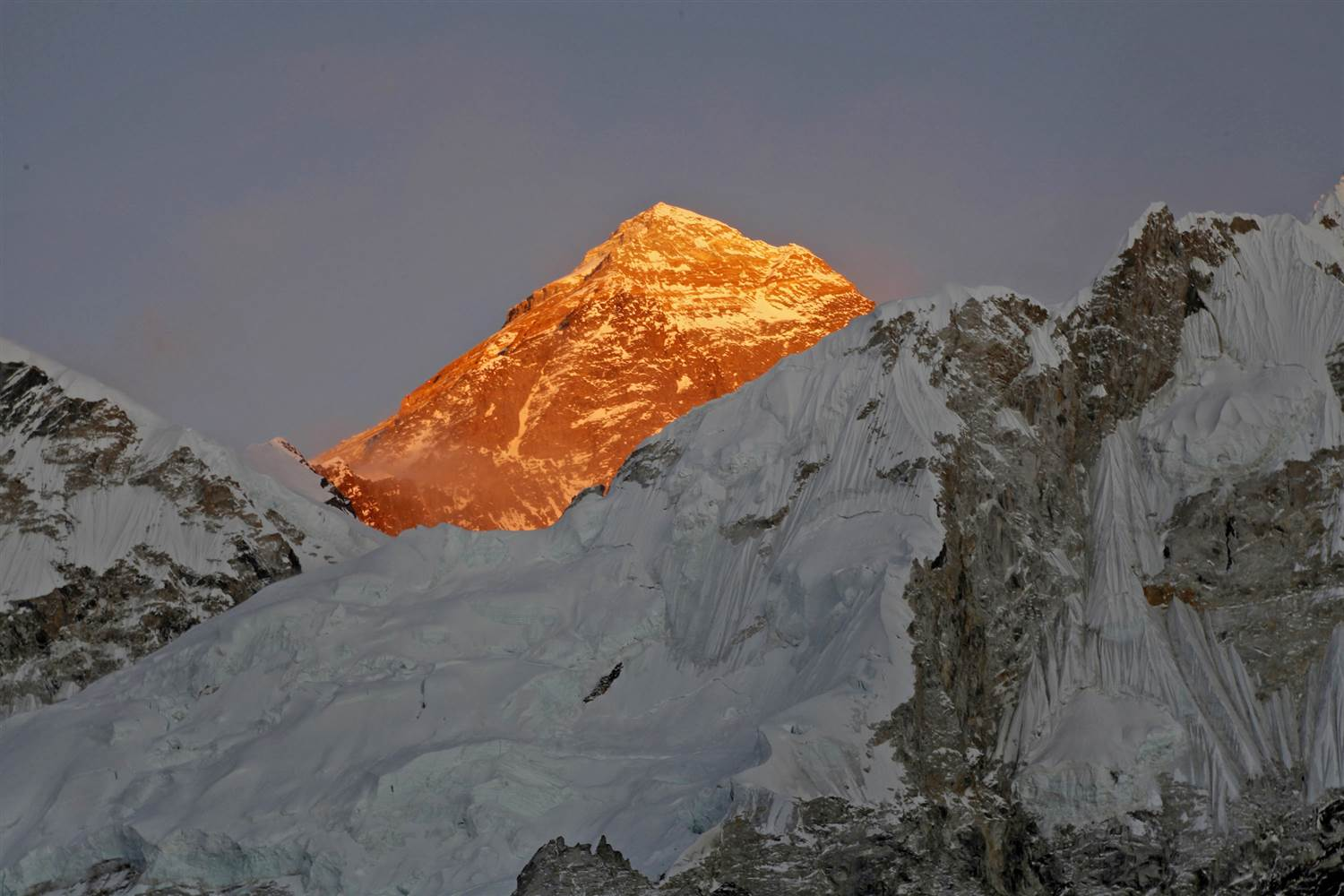 Dutch, Australian Climbers Die After Reaching Everest Summit