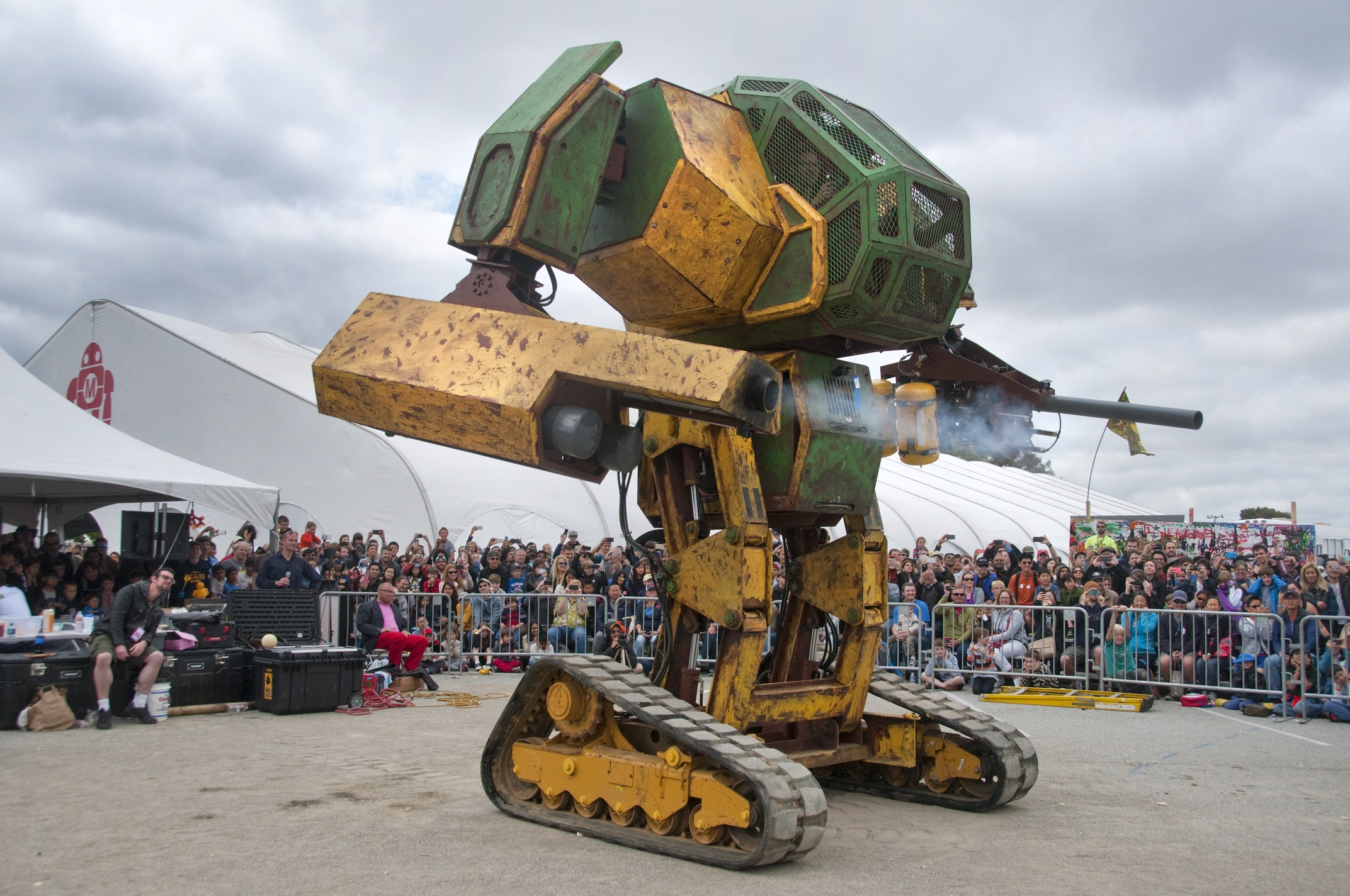 America takes on Japan in terrifying giant mech battle this August