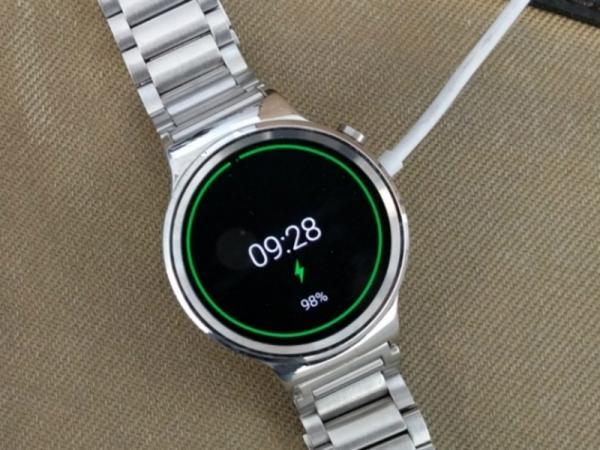 Huawei Watch Discounted On Amazon: Black Stainless Steel For $320 Or $130 Savings